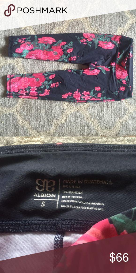 Albion Fit Antigua Capris Super cute floral Antigua capris from Albion Fit. Albion Fit Pants Capris