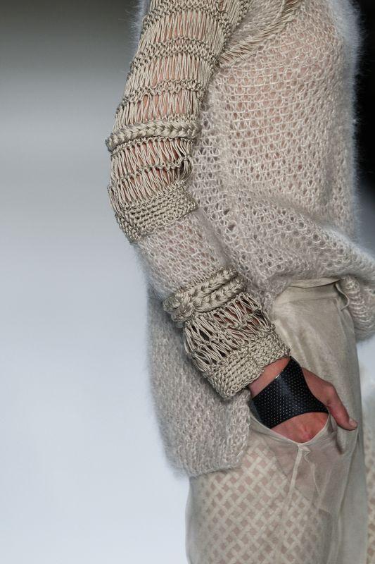 ładny sweter                                                                                                                                                                                 Más
