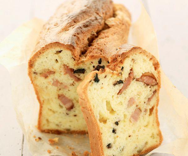 #Cake aux #olives et #lardons