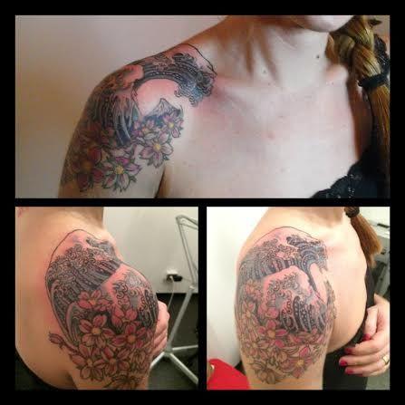 Tatto Hokusai Wave. Rita La Zia Tattooer.