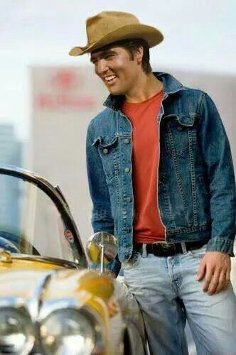 "PHOTOSHOP/ FAKE! Elvis's head from STAY AWAY, JOE (1968) has been photoshopped onto a ""Young man leaning on car and looking away"" by Nicolas Russell (getty images).  https://de.pinterest.com/pin/380906080959645719/ Also take a look at the ORIGINAL Elvis photo: https://de.pinterest.com/pin/380906080959645735/"