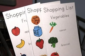 The Activity Mom: Pretend Play Shopping Lists (printable)