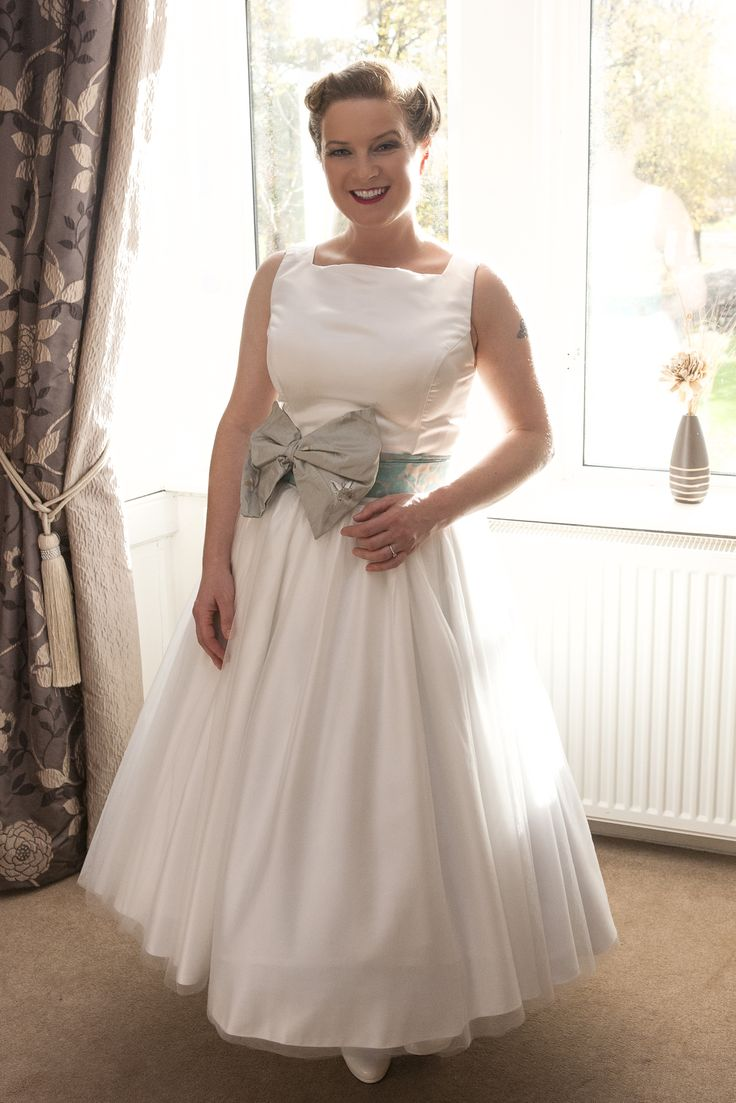 Audrey 50 39 s funny face dragonfly 1950 39 s wedding dress for Funny face wedding dress