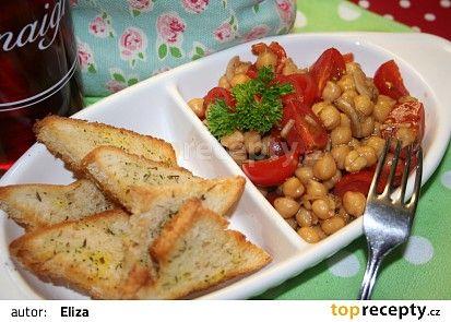 Jednoduchý salát z cizrny recept - TopRecepty.cz