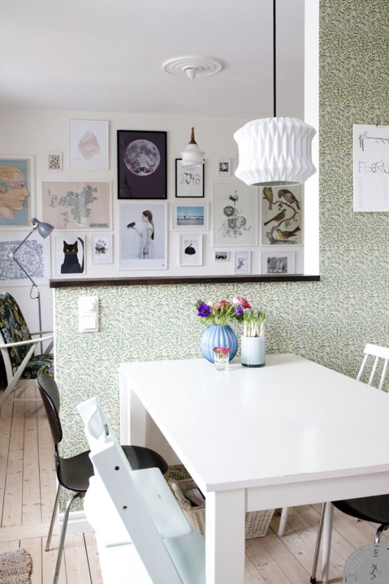 william morris wallpaper and gallery wall