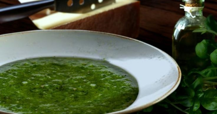 Make your own delicious pesto sauce in just 10 minutes!