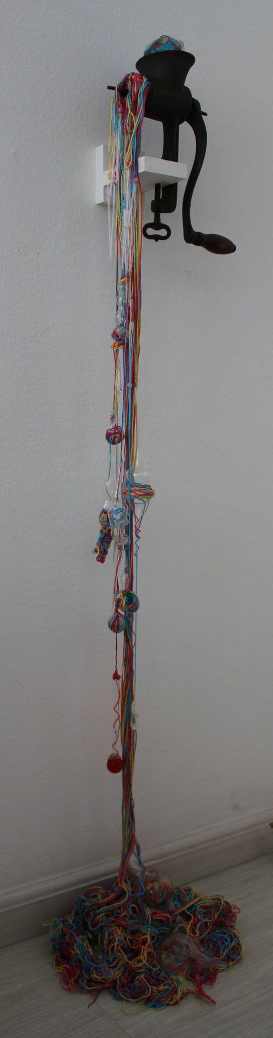 Ana Maier – Roca de fiar distâncias II (2012)