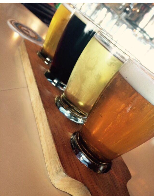 Me So Honey- Belching Beaver  Hard- Anthem Cider Tres Tuercas- Pizza Port Firestone Walker- Union Jack #sandiegobeerweek #flights #drinklocal