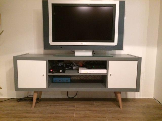 Meuble t l esprit scandinave diy avec kallax ikea hack for Ikea meuble tele