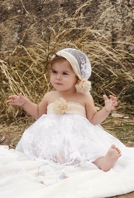 love the hat! (christening dress Dida)