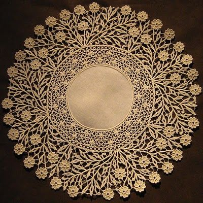 Italian Needlework: Aemilia Ars needle lace from Bologna - Part Two