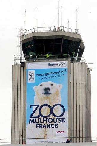 Le Parc Zoologique et Botanique de Mulhouse s'affiche sur la Tour de Contrôle de l'EuroAirport