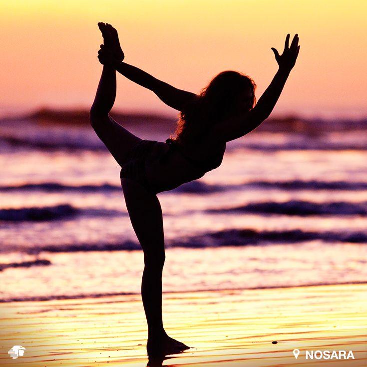 Nosara. Guanacaste, Costa Rica Ciudad famosa por sus playas en las cuales podrás realizar yoga y surf, las dos actividades predilectas de los turistas. Admira las puestas de sol desde las tres playas diferentes de Nosara:  Playa Guiones, Playa Nosara y Playa Pelada.