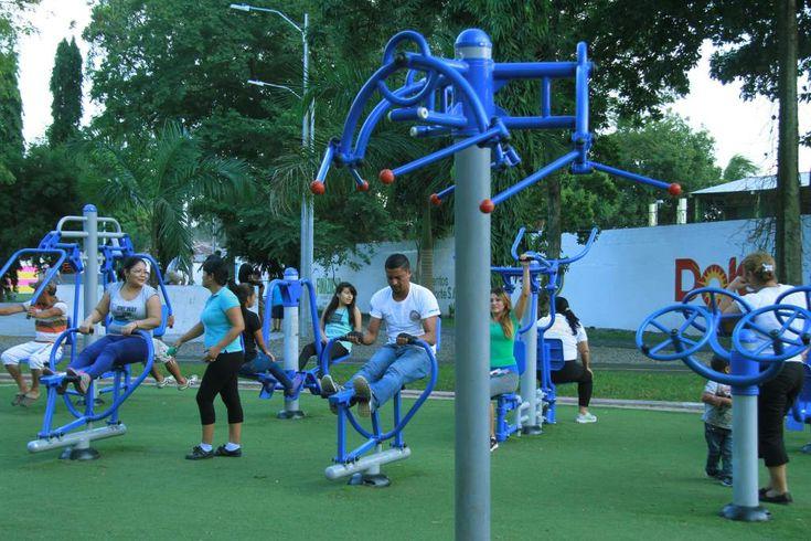 Honduras: Más de 90,000 personas se recrean en los megaparques  La ciudad tiene, hasta el momento, tres megaparques. Construyen uno más en la Fesitranh y esperan comenzar otro en Armenta. Cuentan con áreas de juegos, ejercicios y de descanso. - Diario La Prensa