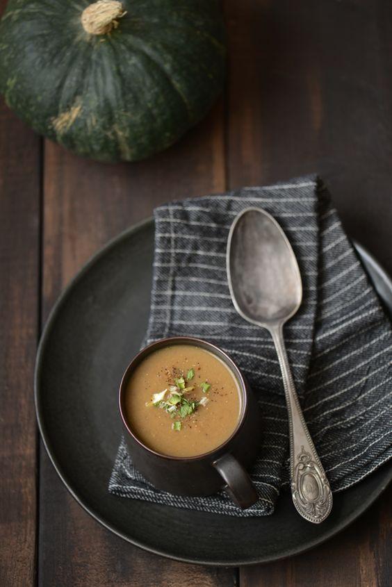 Soupe de courge aux châtaignes et aux champignons