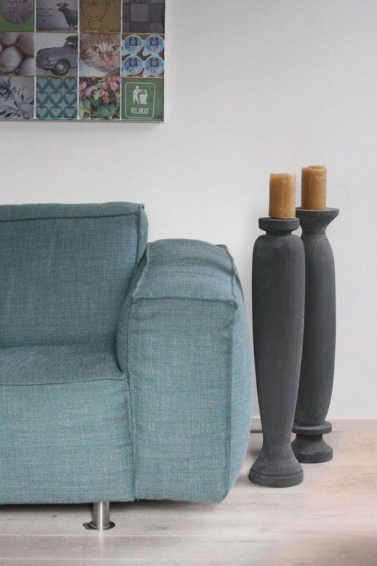 Kandelaren van beton (voor binnen en buiten) of hout (voor binnen).