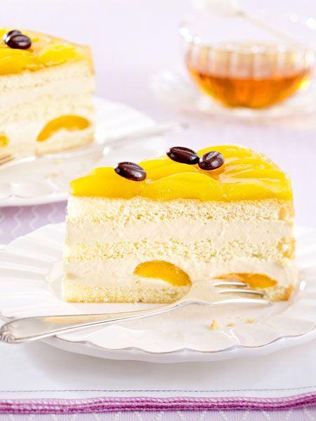 Fruchtige Torte mit leckerem Cappuccino und cremigem Joghurt.