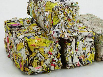 How to make your own DIY fire logs out of recycled newspaper (Video)