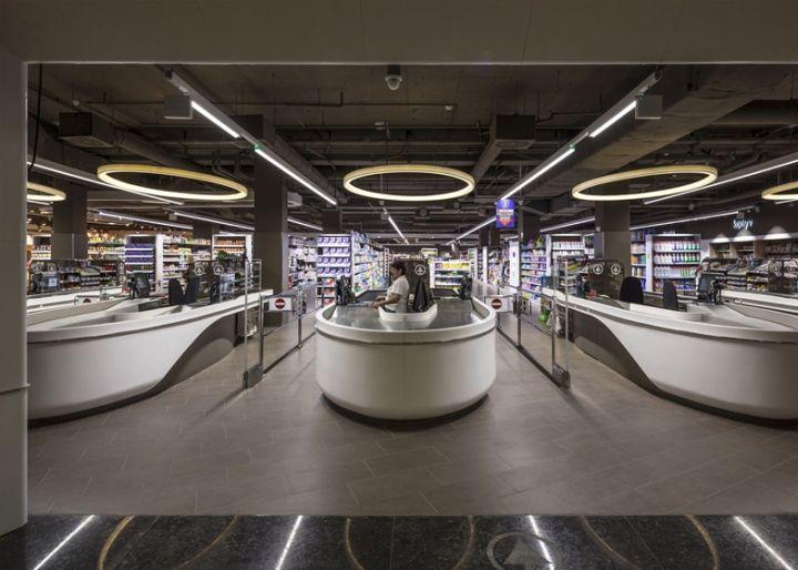 Desain Interior Supermarket yang Modern dan Berkelas, Budapest - arsitekinterior com