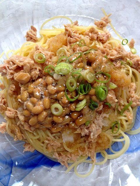 あのぉ~…あんまり美味しくなかった(´°̥̥̥̥̥̥̥̥ω°̥̥̥̥̥̥̥̥` - 63件のもぐもぐ - ツナ、納豆、大根おろしの青じそドレッシングパスタ(冷製) by kamasann