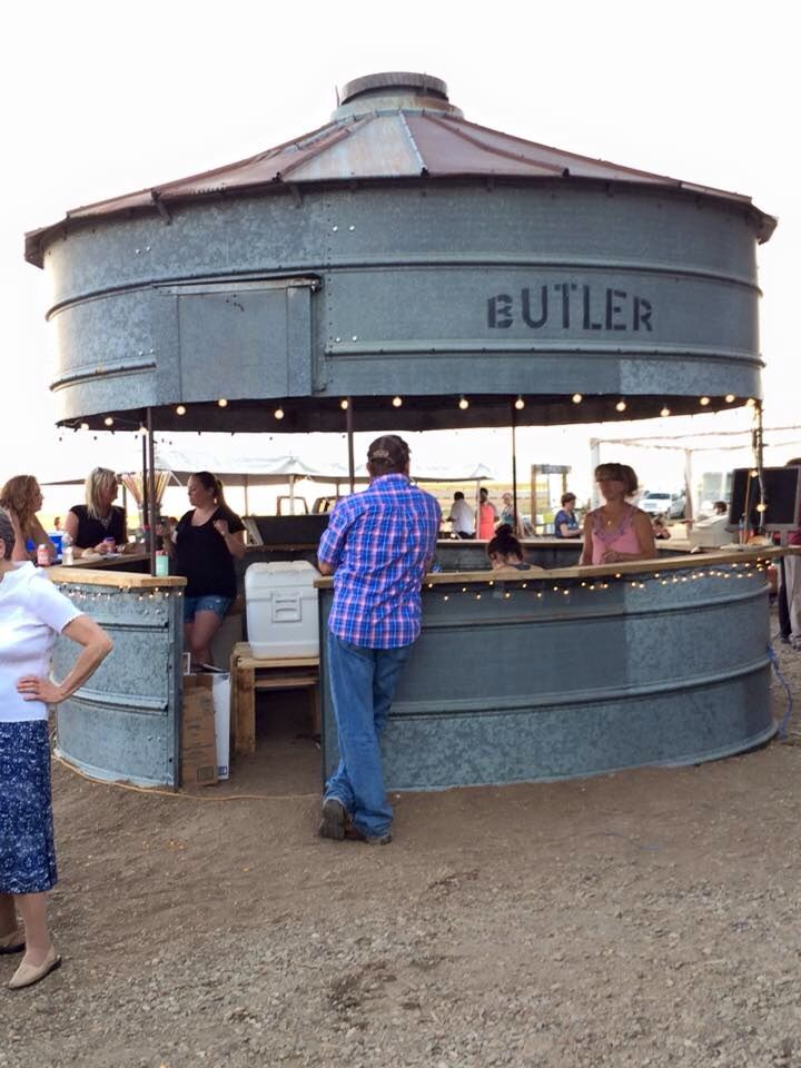 Wow! Tired of old grain bin make round bar for an event!