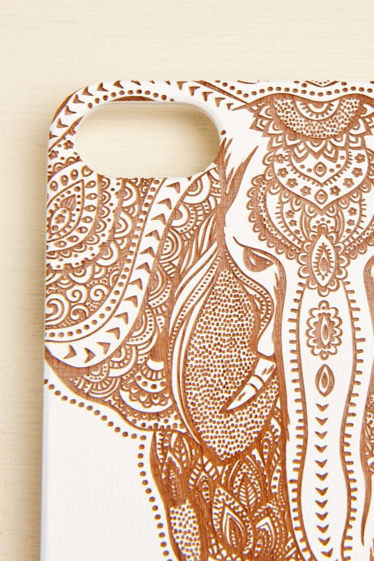 <p><span>Featuring a laser engraved elephant design, this genuine wood case is lightweight and allows you complete access to all the ports and controls of your phone. For iPhone 6/6s.</span></p> <p>This item is available online only. Tech items are not eligible for promotional discounts.</p>