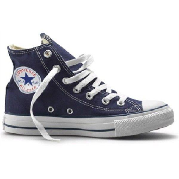 Hoge Converse Sneaker Navy  Deze moeten toch bijna in je kast staan. Mooie Converse sneakers kleur Navy! http://www.bonuskoopjes.nl/kleding/hoge-converse-sneaker-charcoal.html