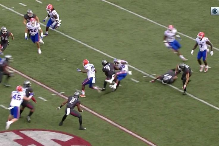 This Arkansas kick return hit was so thunderous, we had to Jim Ross it - http://www.truesportsfan.com/this-arkansas-kick-return-hit-was-so-thunderous-we-had-to-jim-ross-it/