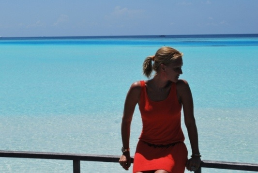 The Maldives has deep blue seas, turquoise reefs, the purest of white sandy beaches, beautiful palm trees full of yummy coconuts and the warm Maldivian people that capture your soul rejuvenating your mind and soul. ..to read more visit our blog  http://www.styleintro.com/public/blogs,show,110