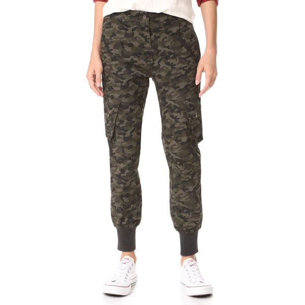 James Jeans Boyfriend Utility Cargo Pants (272 AUD) ❤ liked on Polyvore featuring pants, deep army camo, zipper pants, zipper cargo pants, army pants, boyfriend pants and camo cargo pants