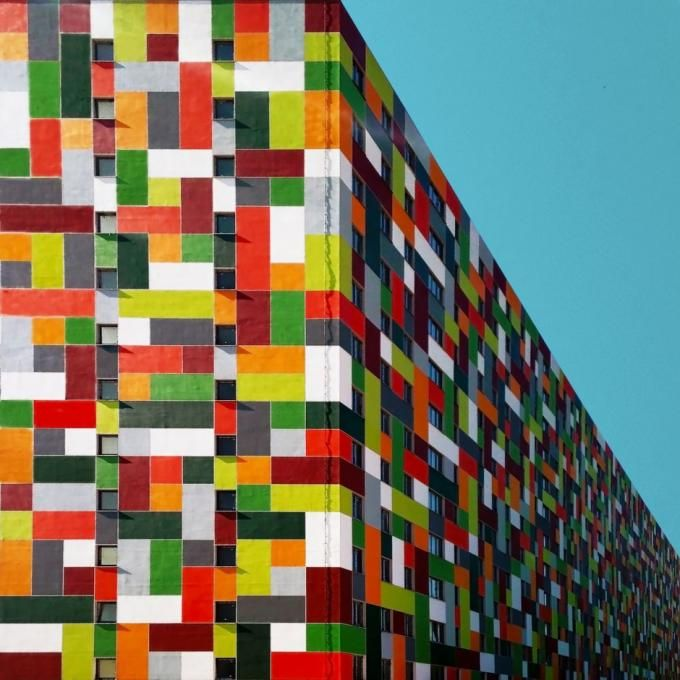 A social housing building in Maltepe district. Photography © by Yener Torun. Click above to see larger image.