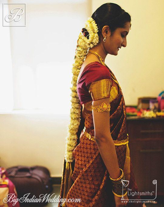 Jasmines adorning a bride's hair; Photo courtesy: The Lightsmiths
