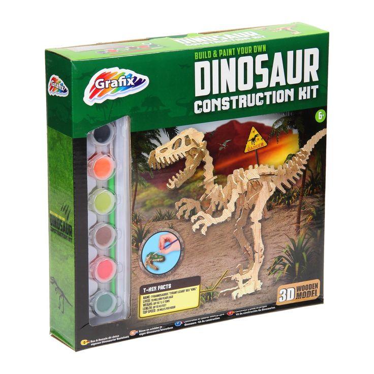 Maak met deze dino set je eigen stoere T-Rex dinosaurus. Zet de houten onderdelen in elkaar en verf de T-Rex in de kleuren die jezelf mooi vind.Inhoud:- 2 houten platen met de dino onderdelen.- 6 kleuren verf- verfkwast- instructieblad  - Bouw en Kleur je eigen Houten Dino