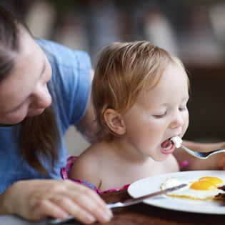 Are your kids (and you!) getting enough iron in their diets?  Article on iron-rich foods, how to pair with other foods for maximum absorption, and the differences in the irons.