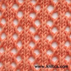So Simple and So Lovely! Only two rows to learn for this pretty #lace. #knitting_stitches - Nur zwei Reihen hat dieses Spitzenmuster - leicht zu lernen