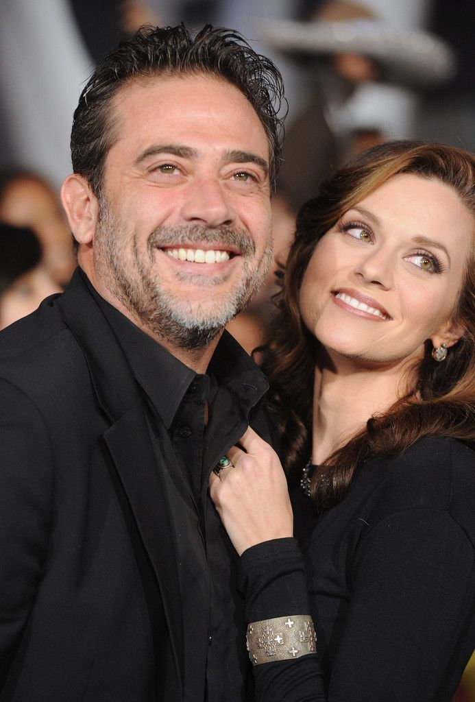 """Actor Jeffrey Dean Morgan and Hilarie Burton arrive at the Premiere of Summit Entertainment's """"The Twilight Saga: Breaking Dawn - Part 1"""" at Nokia Theatre L.A. Live on November 14, 2011 in Los Angeles, California."""