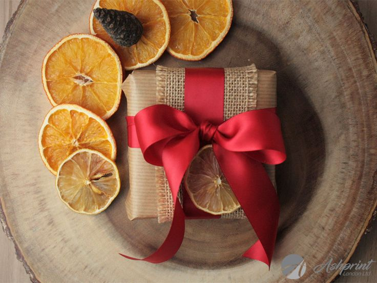 This is a reason why we love Christmas! #red #redribbon #satin #ribbon #satinribbon #christmasribbon #christmas #christmaswrapping #christmaswrap #christmasgifts #christmasday #christmasmood #christmasmagic #christmas2017 #christmaspresents #christmaswish #decoration #decor #orange #driedorange #cone #wrapping #gift #wrappinggifts #occasion #hohoho #london #wembley #harrow #ashprintlondon