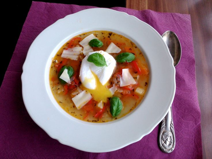 Acquacotta buggyantott tojással, parmezánnal és fokhagymás krutonnal / Acquacotta with poached egg, parmesan ang garlic-crouton