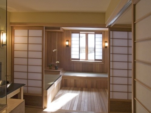 A Japanese-style bathroom, complete with traditional Shoji screens, Tatami Mats,