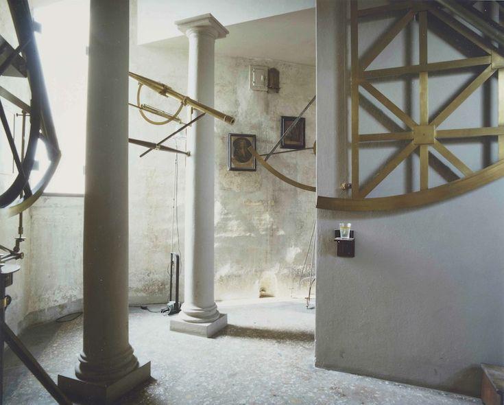 Luigi Ghirri, Bologna 1985, Serie Museo dell'Astronomia, 1985, 21, 5 X17,5 cm, cibachrome da dia 6X7 cm, Courtesy Galleria Poggiali e Forconi