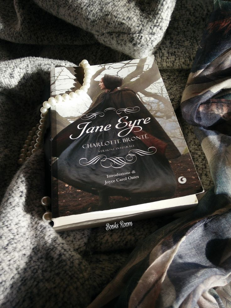 #booksroomblog #booksroom #bookreview #janeeyre #charlottebronte #giunti #bookstoread #bookslovers #lovestory #classicbooks #lovereading #instabooks #booktag #iloveclassic #love #bookblog #bookblogger