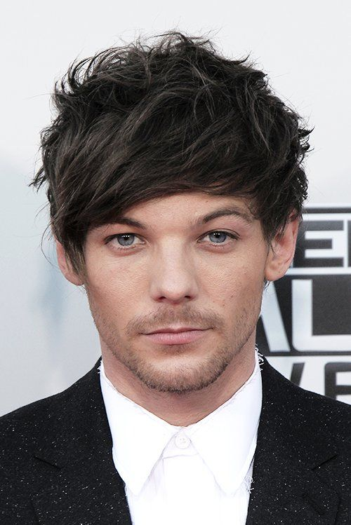 Louis Tomlinson on AMAs-  I THINK THEY MEANT KING AT AMAs psh