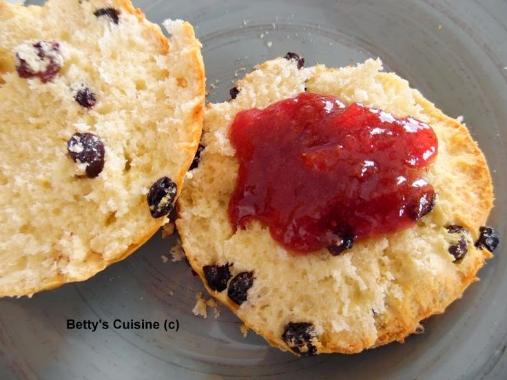 Betty's Cuisine: Scones με σταφίδες