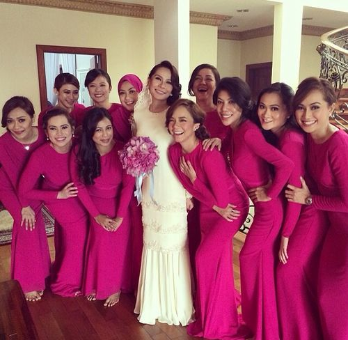 the color of bridesmaid dresses