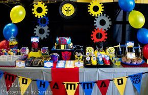 3's a Party: Transformers Birthday Party  Looks amazing but way too much sugar for us!