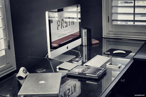 Modern Workspace  :: iMac and All Things Apple