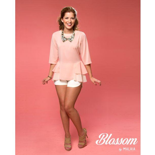 Nueva en #blossom blusa #valentina en chiffon coral pastel con vuelos laterales y mangas 3/4 #malaia #marcaecuatoriana