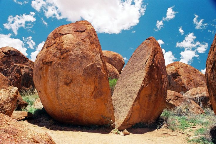 The Devils Marbles, 100 kilometres south of Tennant Creek, http://www.bloggerme.com.au/states/ulluru-central