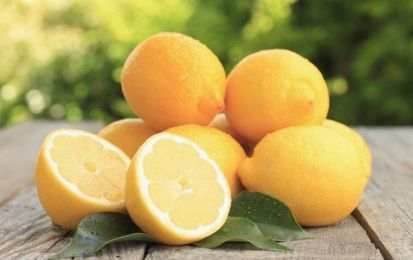 La dieta del limone per dimagrire in una settimana - La dieta del limone per dimagrire in una settimana prevede un menu preciso a base di acqua e limone. Quest'ultimo esercita un'azione disintossicante, ma bisogna stare attenti alle controindicazioni.