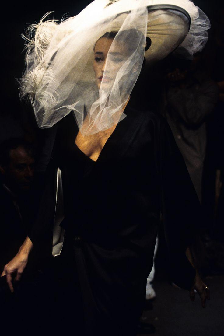 John Galliano Spring 1995 Ready-to-Wear Fashion Show Details